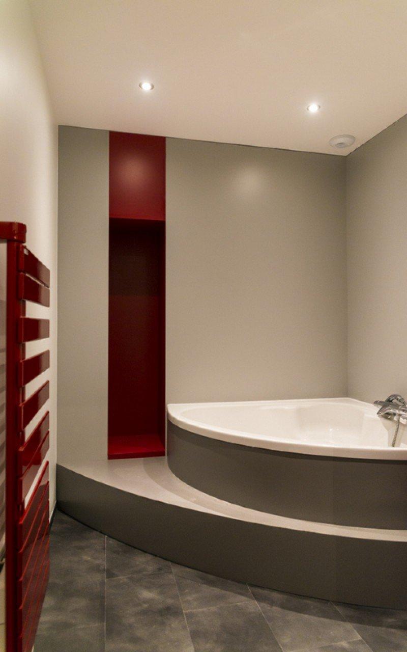 Mise en sc ne d 39 une baignoire agencement la h nonnaise for Agencement baignoire
